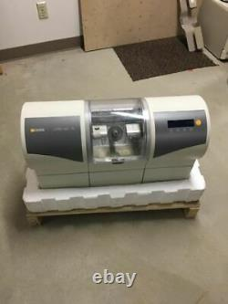 Sirona MCXL Dental Lab Cad/cam Dentistry Milling Machine MILL (low Unité Cnt!)