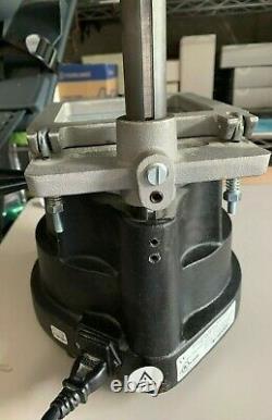 T&s Dental & Plastics Dental Vacuum Forming Machine Modèle 101-pristine